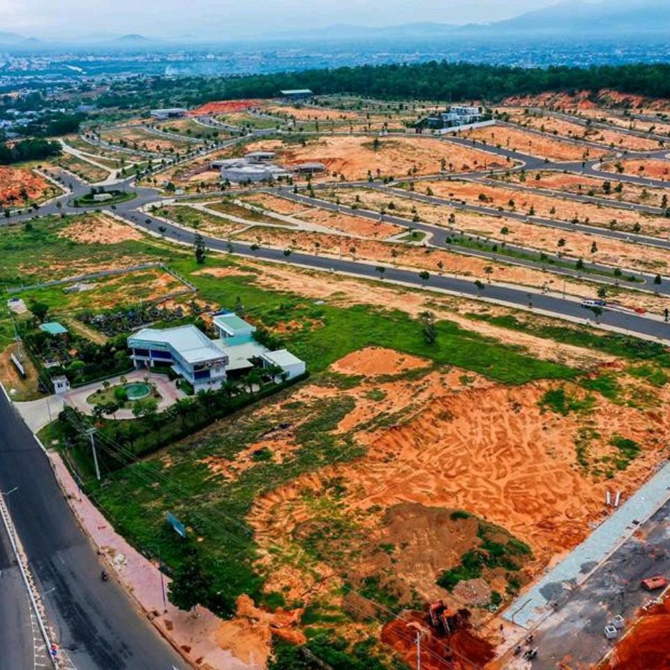 """Cận cảnh tiến độ xây dựng của những dự án """"gây bão"""" tại Phan Thiết"""