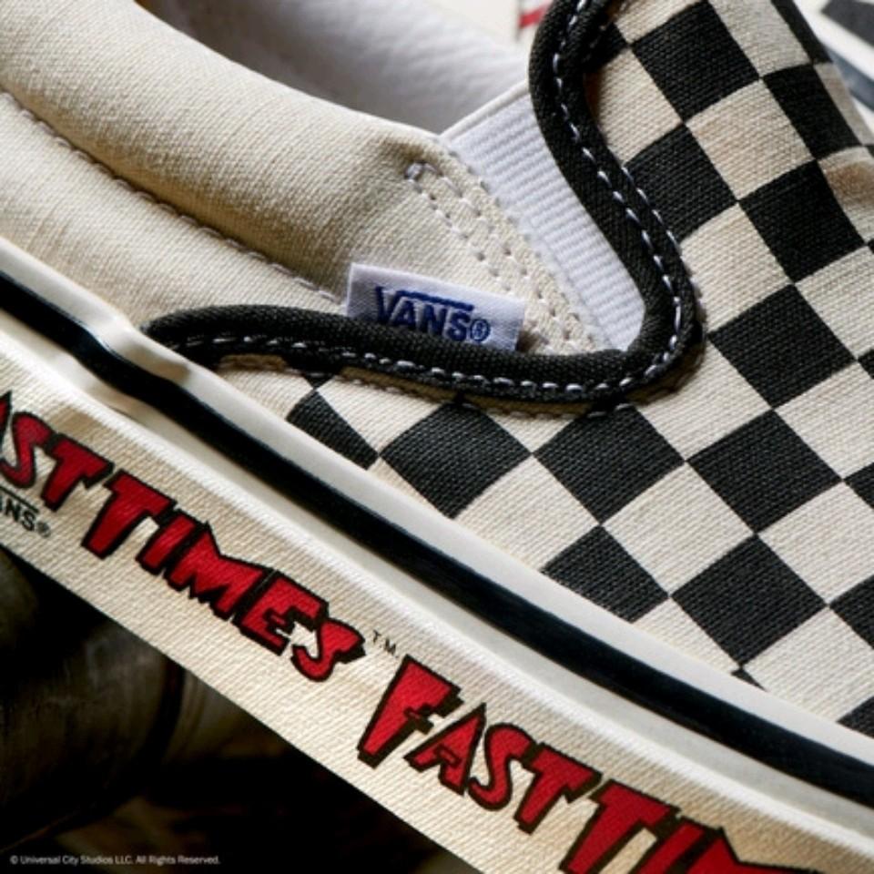 Vans x Fast Times nhắc lại màn debut kinh điển của đôi Slip-on Checkerboard những năm 80<br><br>