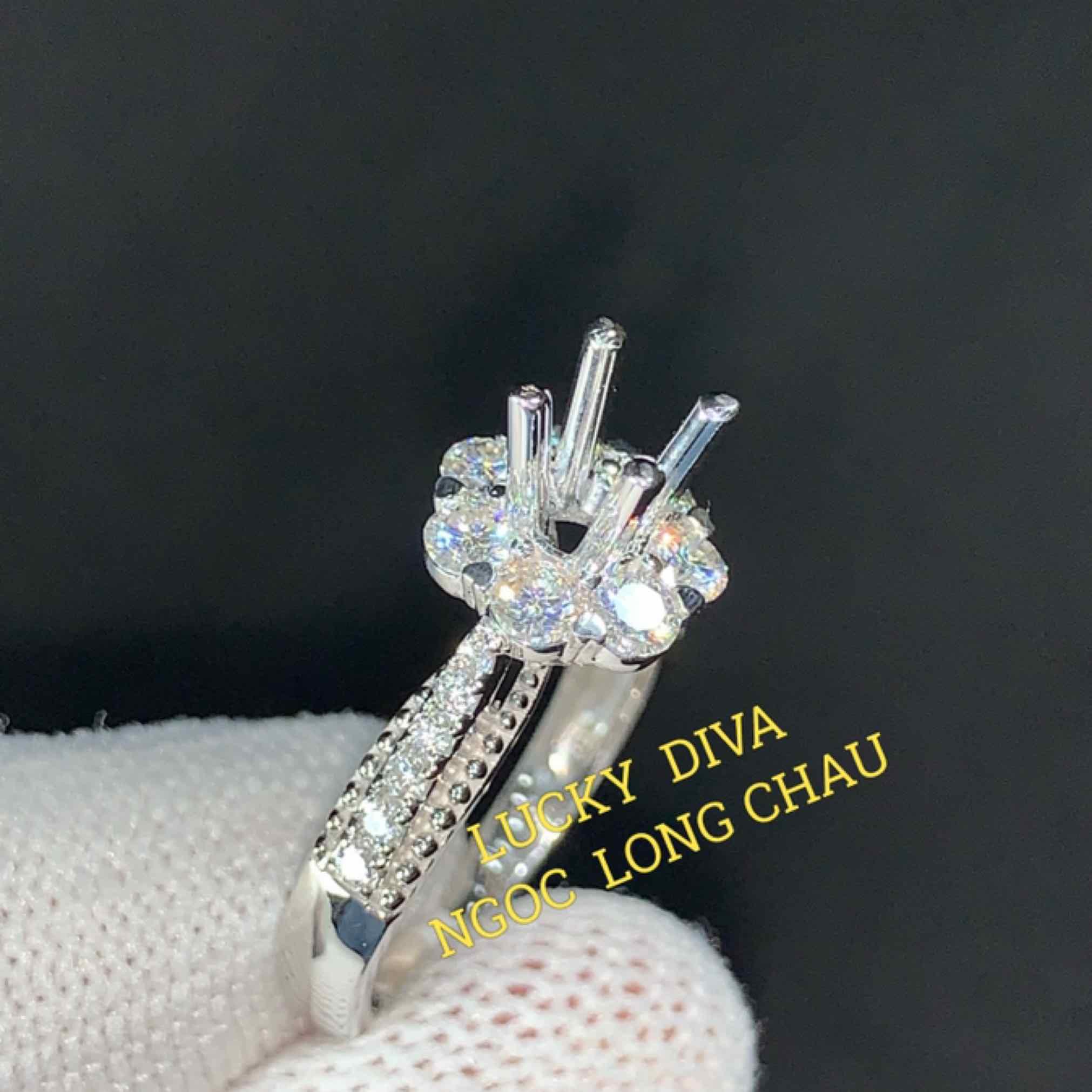 Ngọc Long Châu Diamond Lucky Diva New