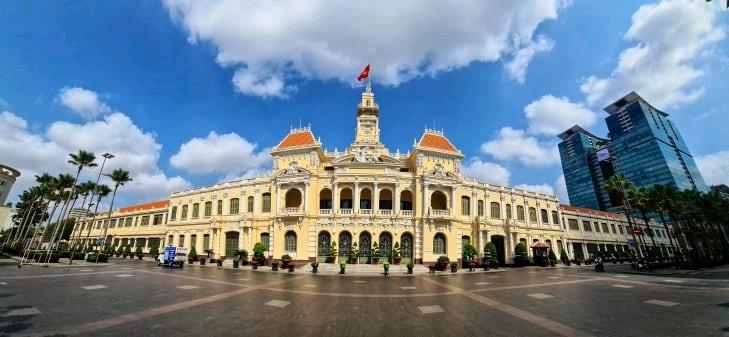 Có một Sài Gòn chưa từng thấy trong mùa dịch Covid-19 'sống chậm để yêu thương'