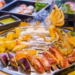 Buffet 70 Món Hải Sản, Bò Úc Nướng & Lẩu Ngay Phố Tây - Saigon Marvel Hostel