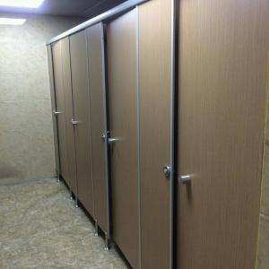 Vách ngăn vệ sinh - Tấm Compact