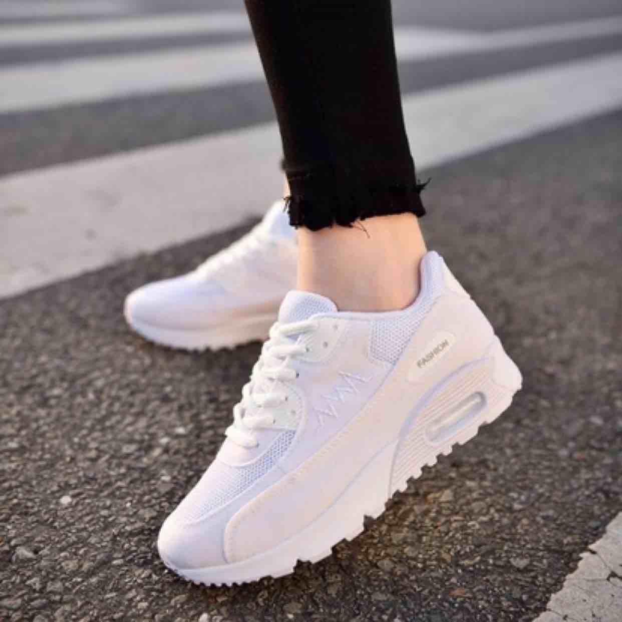 Giày Hiệu